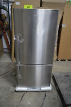 Fisher Paykel E522BRX4 32  Stainless Bottom Freezer Refrigerator CD NOB  557 MAD