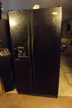 Black whirlpool Refrigerator side by side with icemaker   water despencer 25 4cf
