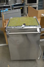 Thermador DWHD640JFP 24  Stainless Fully Integrated Dishwasher NOB  33244 HRT
