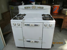 TAPPAN DELUXE GAS STOVE   1950 S