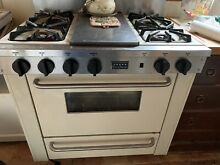 FiveStar Pro Gas Range with 4 Burners and Griddle