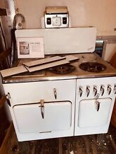 Vintage 1940 s 1950 s white Chambers Gas Range with 4 burners Stove   oven