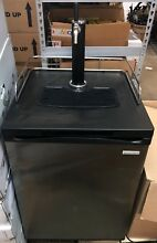 Insignia 5 6 Cu Ft  1 Tap Stainless Steel Beer Fridge Beverage Cooler Kegerator