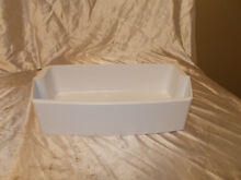 Kenmore Refrigerator Door Bin Part  MAN61844401  LOT 79