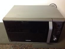Samsung MS11K3000AS    1 1 Cu  Ft  Mid Size 1000 Watts Microwave   Used