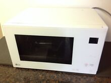 LG LMC1575SW 1 5 cu  ft  NeoChef Countertop Microwave   White   Scratches   Used