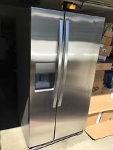 Whirlpool refrigerator 33 wide and 24cb feet deep  Van Nuys California Local Pic