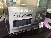 Countertop microwave oven new