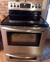 FRIGIDAIRE CERAMIC COOKTOP SELF CLEAN STAINLESS  ELECTRIC CONVECTION OVEN RANGE