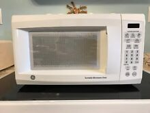 GE Microwave 700 watts JES735 Removable Turntable