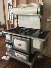48  Heartland Freestanding Gas Range   Great condition