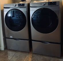 Samsung Washer And Dryer With Pedestals  champagne