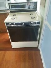 Frigidaire Gas Range Oven   Stove almond color  self cleaning  works great