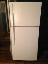 Whirlpool 19 cu ft White Refrigerator for Sale    575 model number wrt519szdw