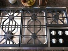 Wolf gas cooktop 6 Months Used