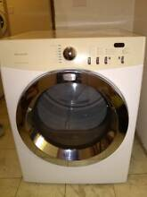 Dryer Frigidaire Affinity model  FAQE7011KW0    240 V electric Used