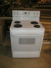 White Frigidaire Self Cleaning Electric Oven w  Pigtail   Roaster Pan Stove Used