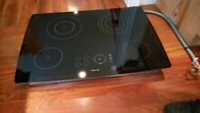 New Thermador   30  Electric Cooktop   Glass