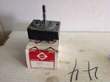 Whirlpool OEM Electric Range Burner Switch  314141      Box101