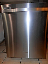 WHIRLPOOL GOLD SERIES STAINLESS STEEL DISHWASHER MODEL WDT770PAYMZ