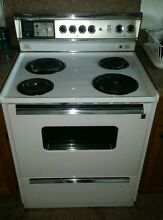 VTG  G E  ELECTRIC STOVE   SENSI TEMP P7 OVEN CLEANING MODEL WORKS  LOCAL PICKUP