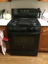 GENERAL ELECTRIC OVEN FREE STANDING GAS CONVECTION RANGE  JGB700DEJ1BB