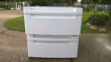 LG   washer dryer  2 pedestals