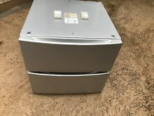 GE  2  pedestals  light gray  for washer and dryer