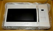 Samsung 1 6 cu  ft  1000 Watts Over The Range Microwave Oven in White