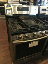New Open Box Samsung 5 8 cu  ft  Gas Range with Convection  NX58H5600SS
