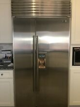 Sub Zero Refrigerator Freezer Stainless Side By Side 680 In door Ice