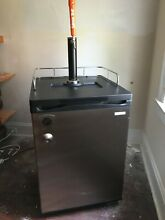 Insignia Compact Mini Fridge for Kegs   Kegerator   5 6 Cu  Ft      Silver