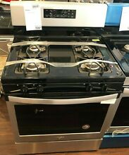 New Open Box Whirlpool  29 88  Free Standing Gas Range Black On Stainless WFG510