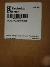 Frigidaire OEM Part   242252702 Water Inlet Valve  Brand New