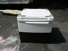 ONE  1  796 51022900 27  Washer or Dryer Pedestal White Kenmore WDP4W