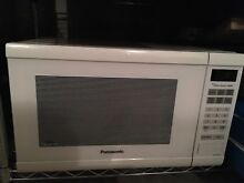 Panasonic 1200 Watt 1 2 Cu  Ft  Countertop Microwave Oven   White  NN SN651W