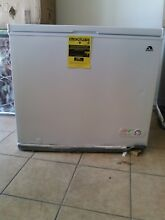 Igloo FRF710 7 1 Cu  Ft  Chest Freezer   White