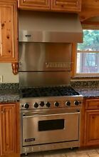 Viking Professional 6 Burner Gas Range 36  Stainless Steel w  Viking Vent Hood