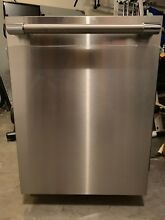 Bosch 800 DLX Series SHV68TL3UC Dishwasher   Used  in Great Condition