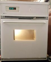 MAYTAG 24  Single Electric Wall Oven Self Cleaing Model CWE4800ACE