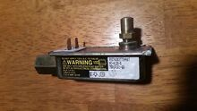 Magic Chef Maytag Range Stove Oven Safety Valve 74002387 or 7501P161 60