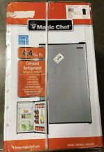 Magic Chef Compact Can Rack Refrigerator with Freezer HMR440SE 4 4 CU Feet