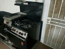 Wolf Professional Gas Range Oven  4 burners with grill  No longer needed