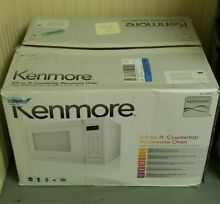 Kenmore 0 9 cu  ft  Countertop Microwave Oven   White 70912 NEW