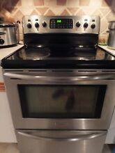 ELECTRIC RANGE CONVECTION OVEN SELF CLEANING GLASS TOP STAINLESS STEEL UNDER 100