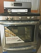 NEW KITCHEN AID STAINLESS STEEL GAS RANGE  SELF CLEANING OVEN   CENTER GRILL NIB
