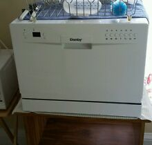 Counter top dishwasher