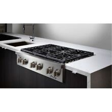 Dacor Discovery  DYRTP486SNG 48 Inch Gas Rangetop