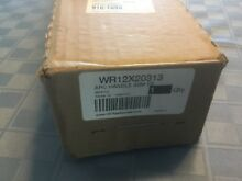 GE White Replacement Refrigerator Handle WR12X20313 NIB