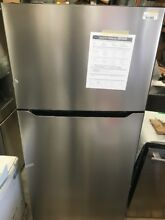 Insignia    18 Cu  Ft  Top Freezer Refrigerator   Stainless NS RTM18SS7